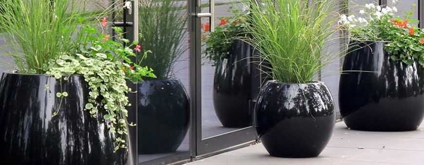 Kompozytowe donice KAMA Flower do ogrodu i mieszkania